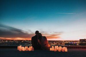 一瞬の愛はお金で買える。でも本当の愛ってやっぱりお金では買えない
