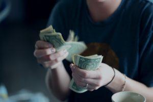 働いてる割に収入が思いの外「低い」という現実
