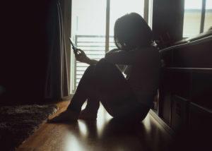 深く傷ついた恋愛から立ち直るにはどうしたらいい?時間だけでは解決できない